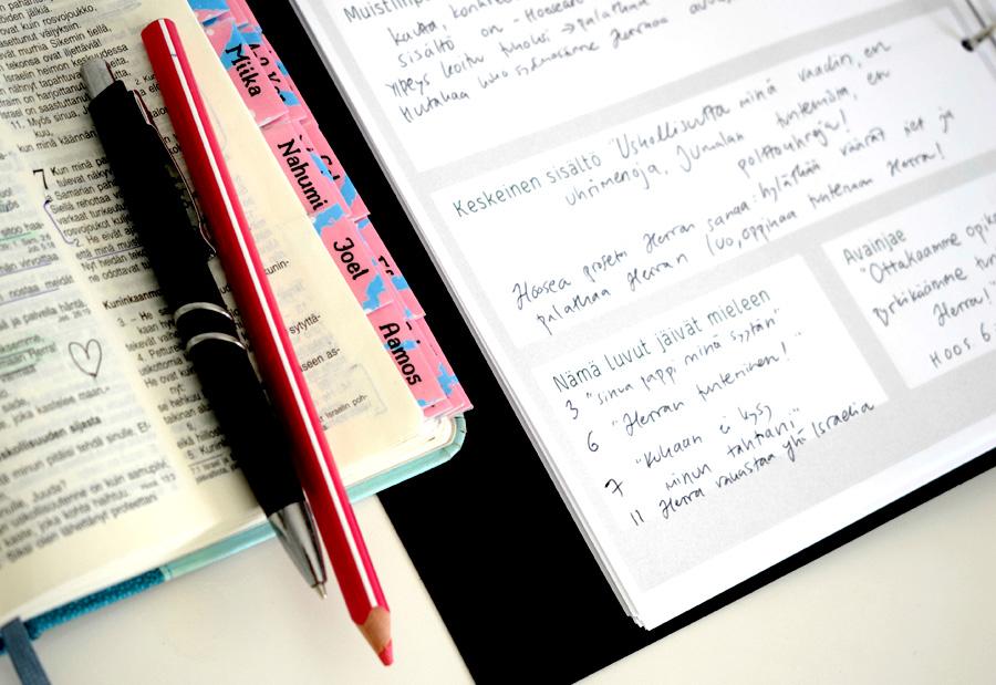 Niin kuin aarretta – tehtäväkirjan sivu täytettynä